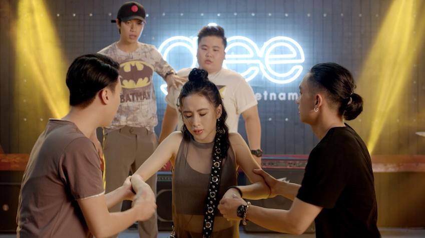 'Glee' tap 13: Dang Phuong phat hien bi Ha Quyen lua doi hinh anh 1
