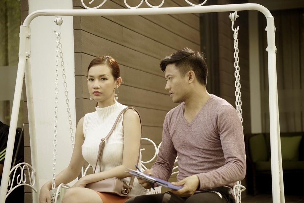 MC Quynh Chi: 'Toi cua sung lam nghe khi dong cap voi Quy Binh' hinh anh 2