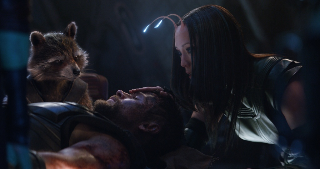 Cac chi tiet dat gia trong trailer moi cua 'Avengers: Infinity War' hinh anh 2