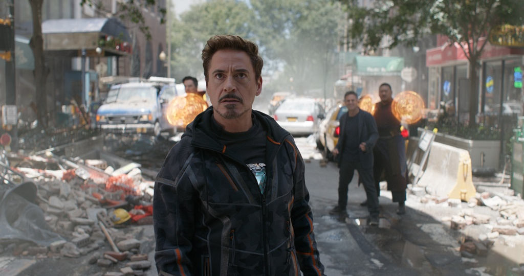 Cac chi tiet dat gia trong trailer moi cua 'Avengers: Infinity War' hinh anh 3