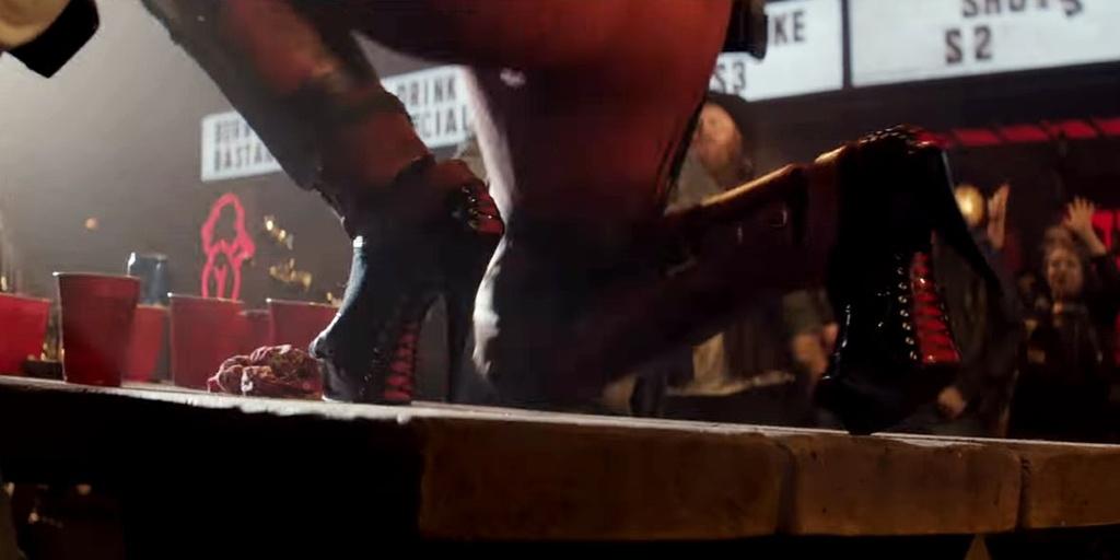 10 dieu thu vi khan gia co the bo qua trong trailer 'Deadpool 2' hinh anh 8