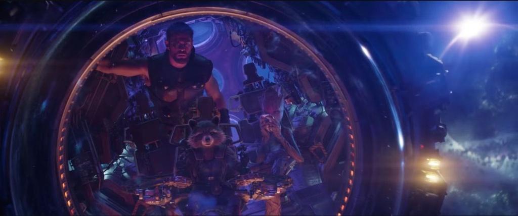 'Avengers: Infinity War' va nhung loi nhan xet co canh truoc gio G hinh anh 4