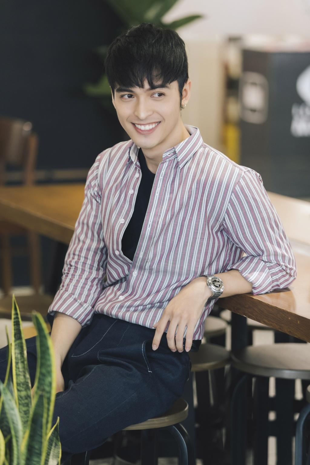 Hot boy lai Thai trong 'Yeu em bat chap': Tung phat to roi kiem tien hinh anh 2
