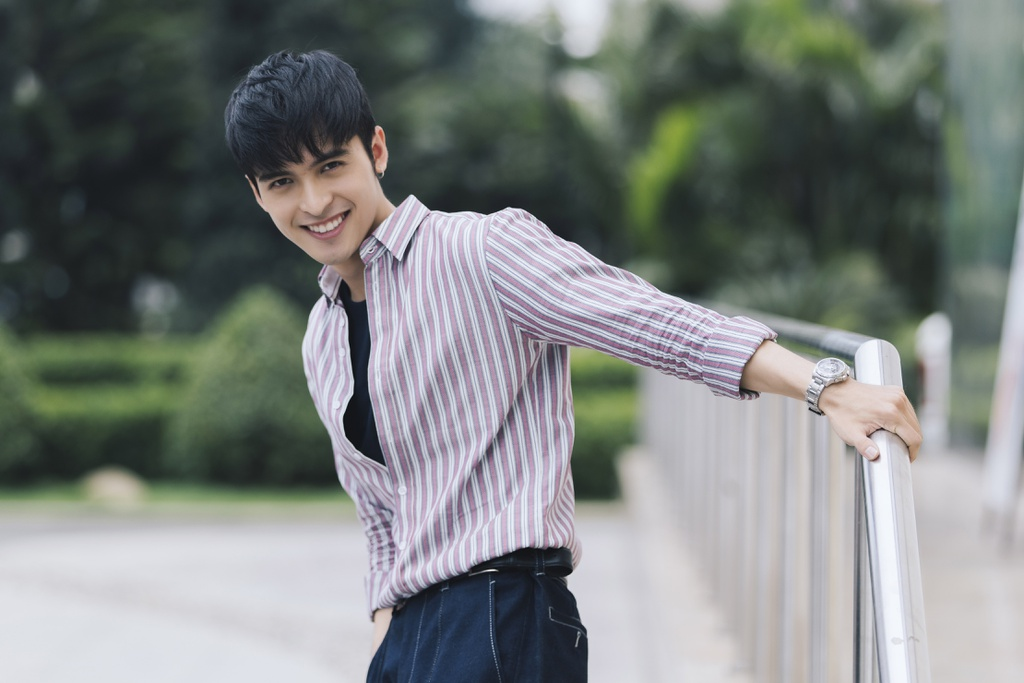 Hot boy lai Thai trong 'Yeu em bat chap': Tung phat to roi kiem tien hinh anh 5