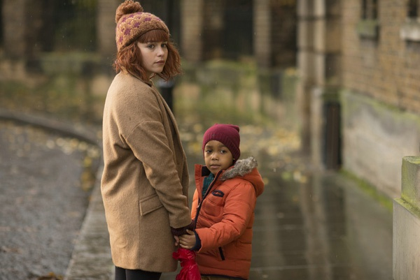 Emilia Clarke: Hanh trinh toa sang tu vai 'Me Rong' den 'Star Wars' hinh anh 12