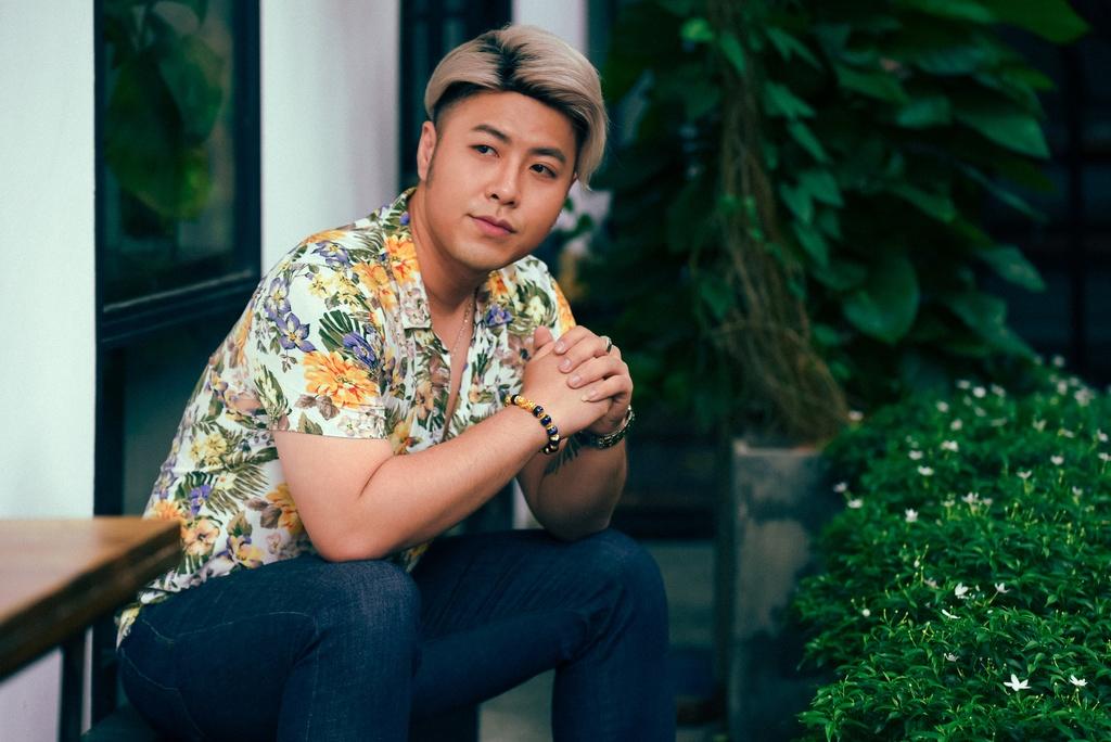 Akira Phan: 'Oan lung tra no 4 ty thay ban, ban gai cat co tay de doa' hinh anh 3