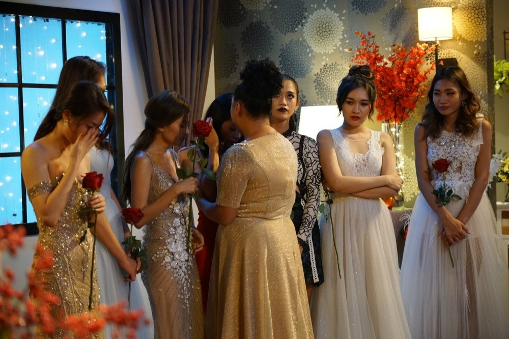 Đạo diễn và nhà sản xuất cam kết không can thiệp vào bất kỳ nội dung hay  cảm xúc nào của các cô gái.