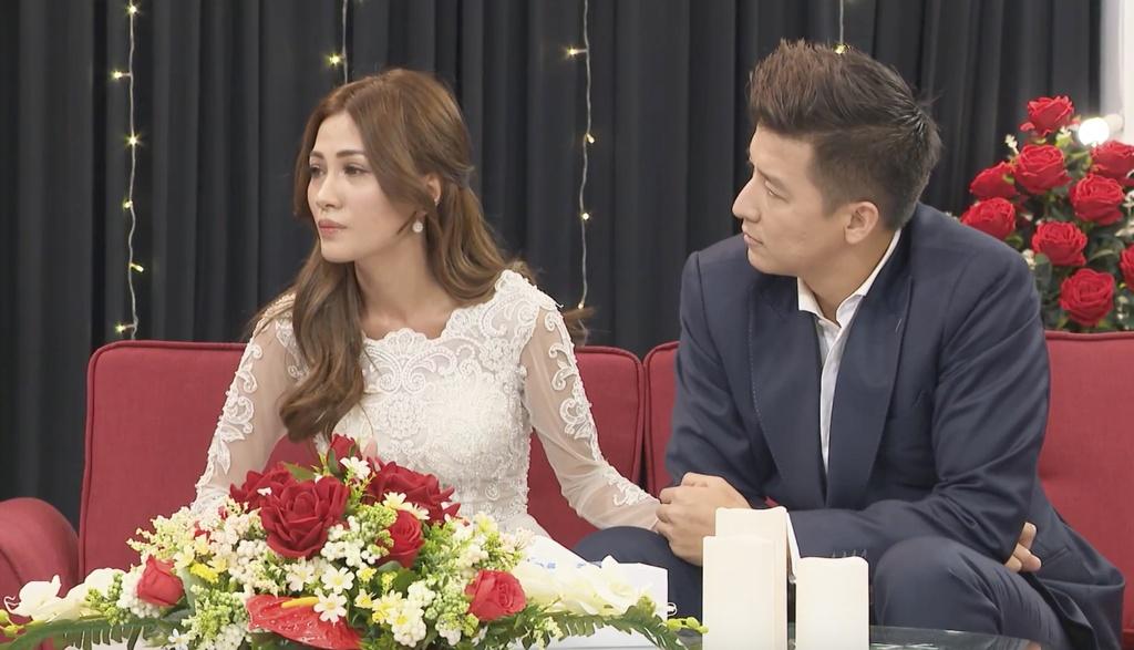 Khan gia chi trich Thuy Duong (The Bachelor) vi giau chuyen co con hinh