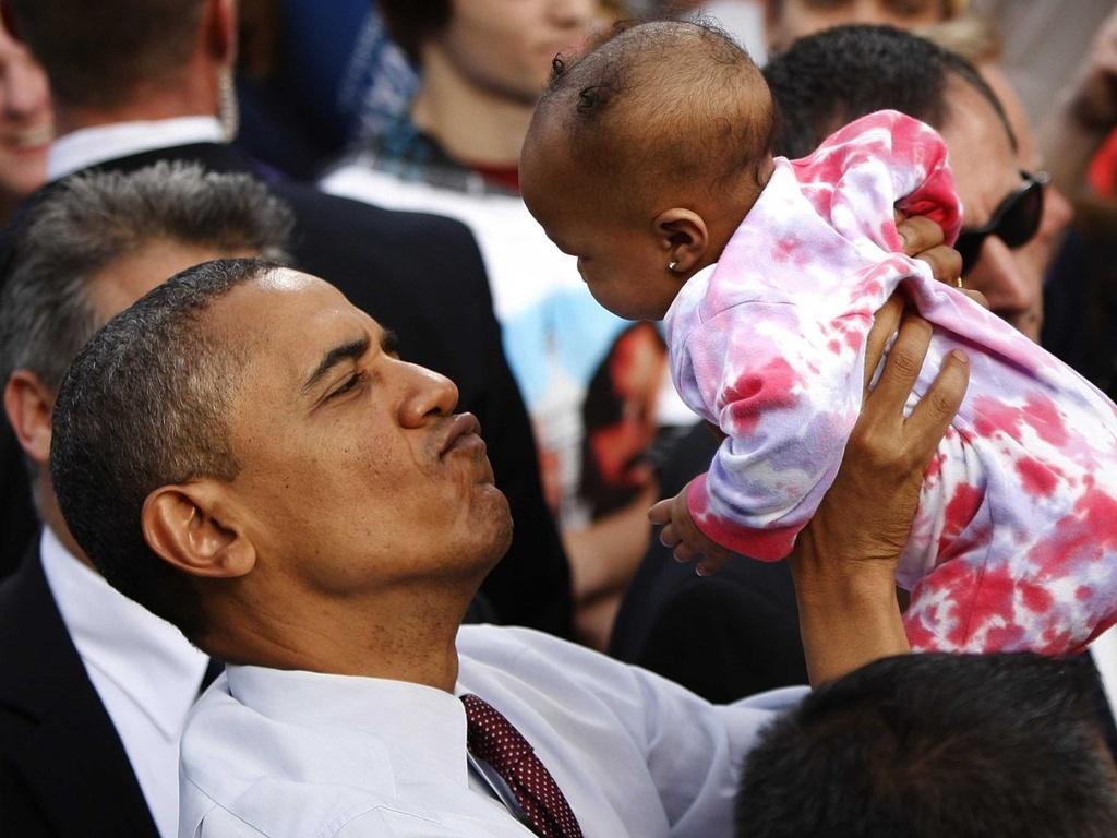 Nhung khoanh khac binh di cua Obama voi tre em hinh anh 2