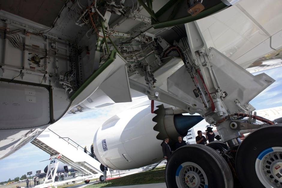 di lau ve,  Kenya Airways,  Heathrow anh 5