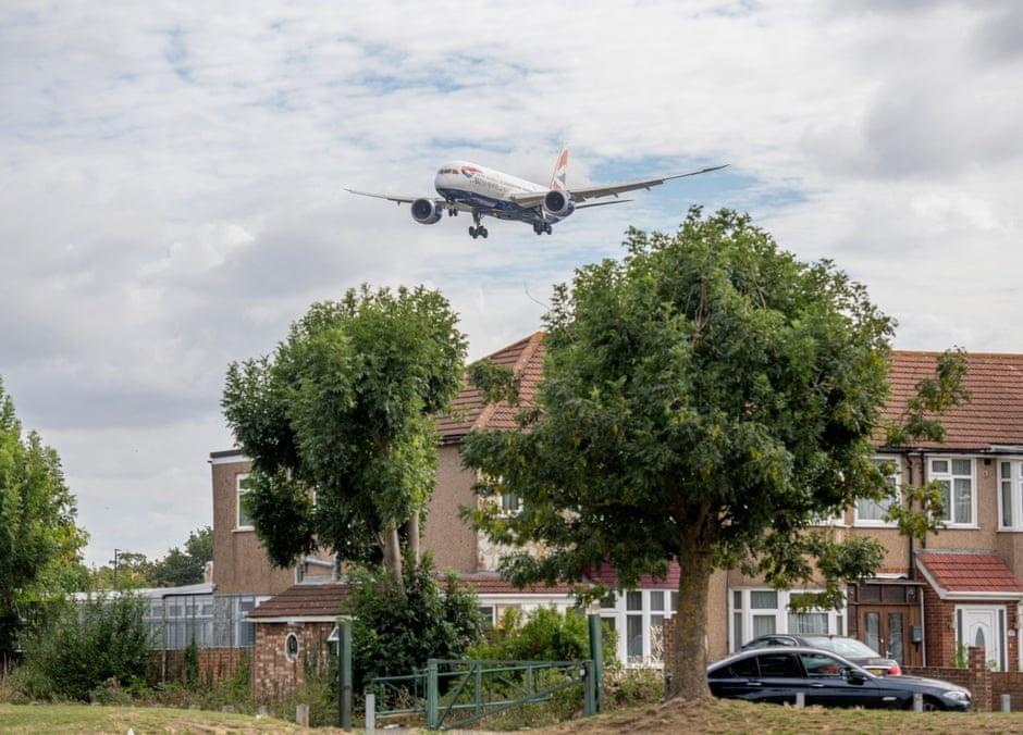 di lau ve,  Kenya Airways,  Heathrow anh 2