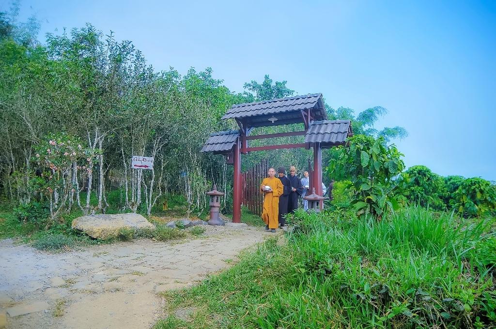 Chua Linh Quy Phap An anh 2