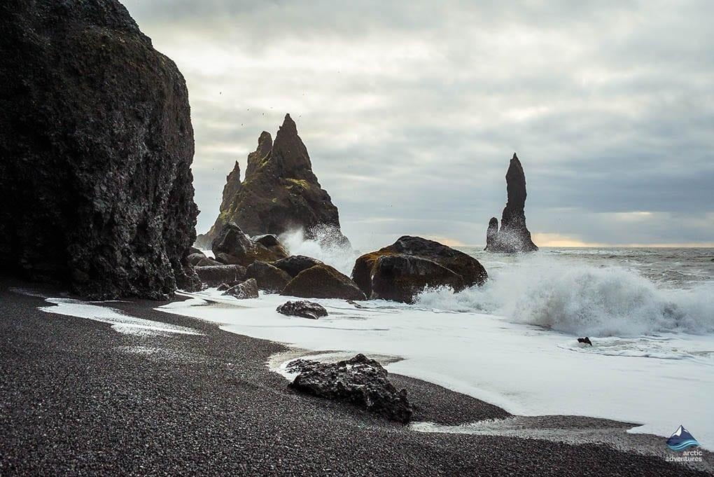 Bai bien cat den o Iceland anh 2