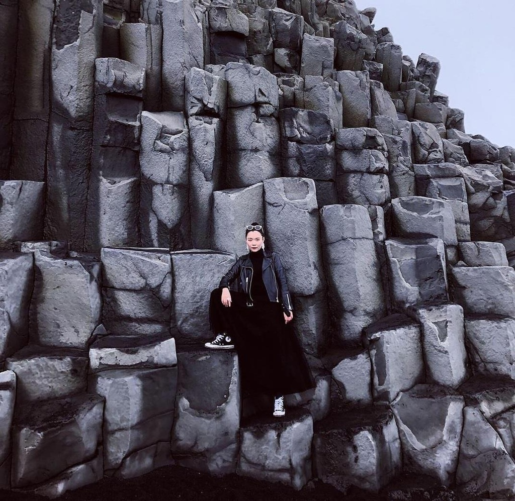 Bai bien cat den o Iceland anh 11