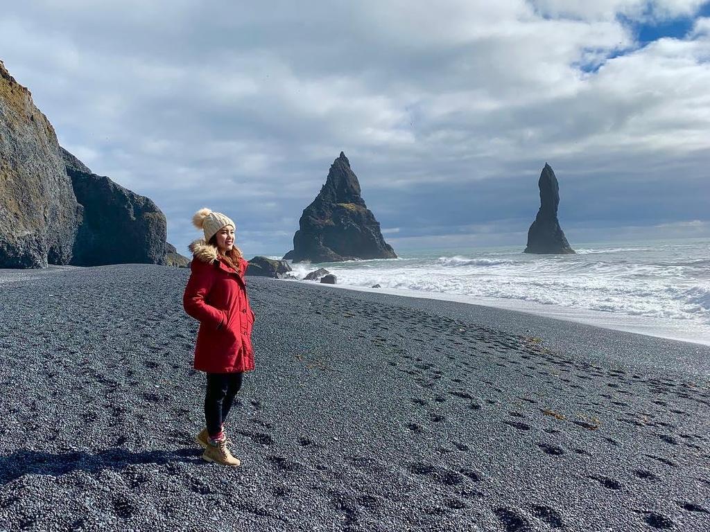 Bai bien cat den o Iceland anh 4