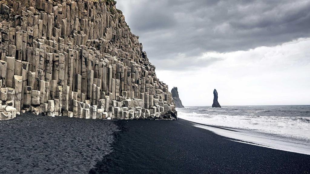 Bai bien cat den o Iceland anh 3