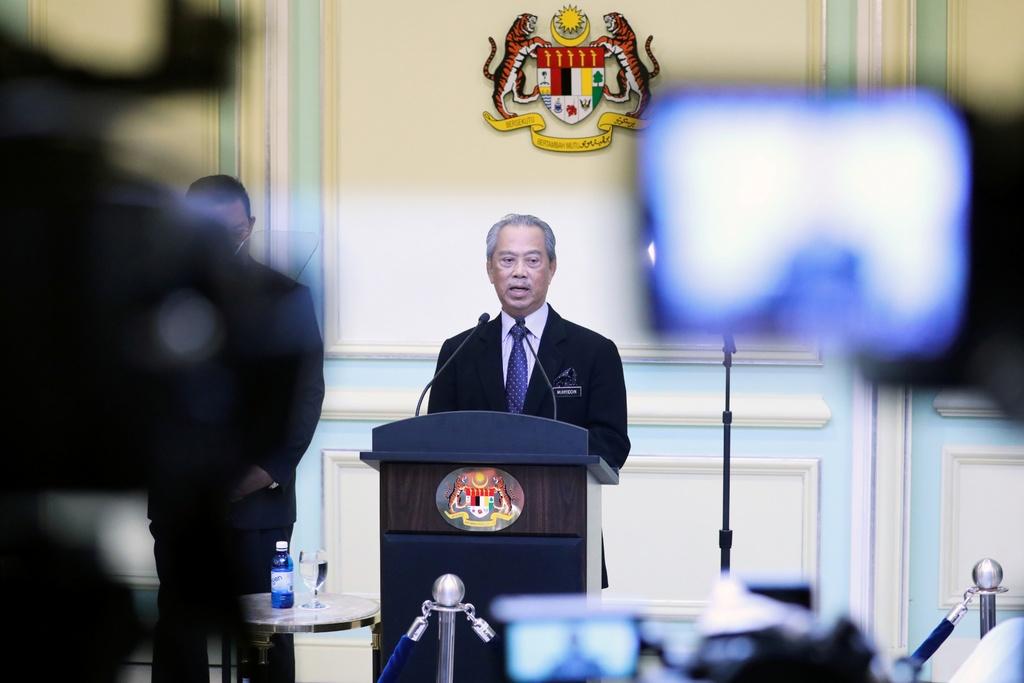 Malaysia phong toa toan quoc va cu soc tro thanh tam dich Dong Nam A hinh anh 2 2020_03_09T104040Z_127772620_RC2AGF9HMKQW_RTRMADP_3_MALAYSIA_POLITICS_1_.jpg