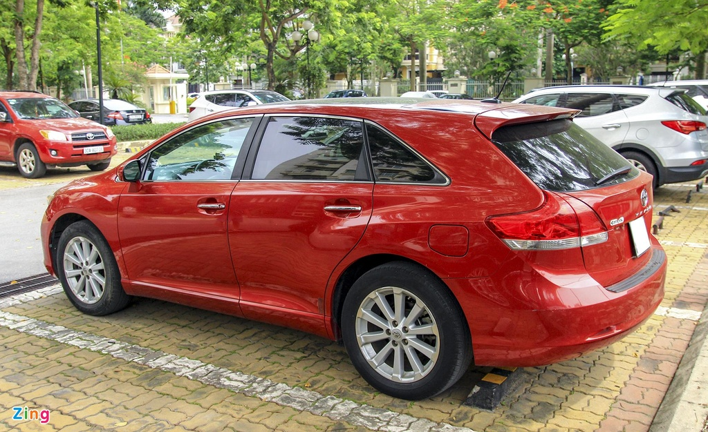 Toyota Venza 10 nam tuoi gia gan 800 trieu dong hinh anh 2