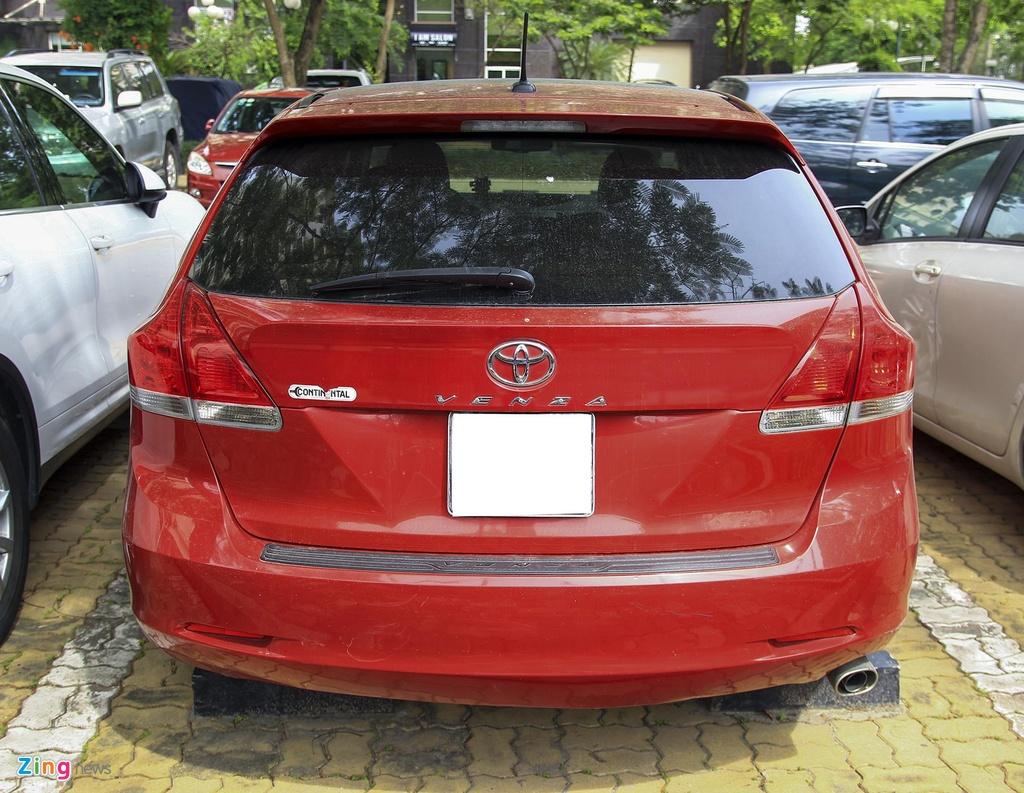 Toyota Venza 10 nam tuoi gia gan 800 trieu dong hinh anh 3