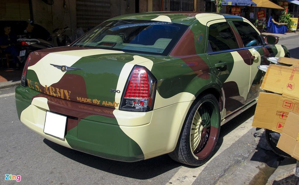 'Tieu Bentley' Chrysler 300 mau ran ri rao ban 650 trieu hinh anh 5