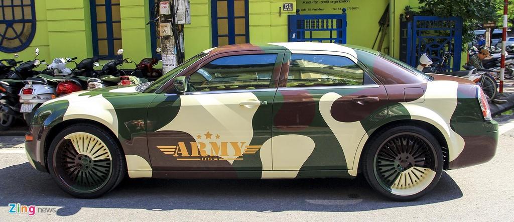 'Tieu Bentley' Chrysler 300 mau ran ri rao ban 650 trieu hinh anh 4