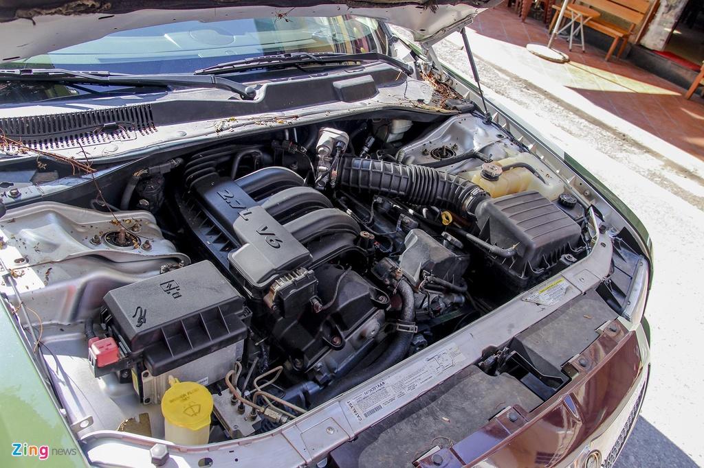 'Tieu Bentley' Chrysler 300 mau ran ri rao ban 650 trieu hinh anh 6