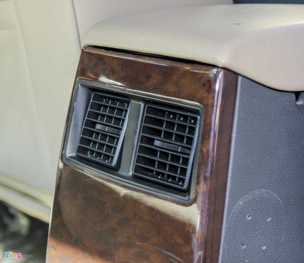 'Tieu Bentley' Chrysler 300 mau ran ri rao ban 650 trieu hinh anh 11