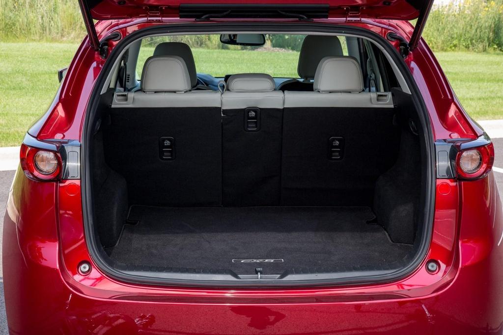 Nhung diem khac nhau lon nhat giua Mazda CX-8 va CX-5 hinh anh 6
