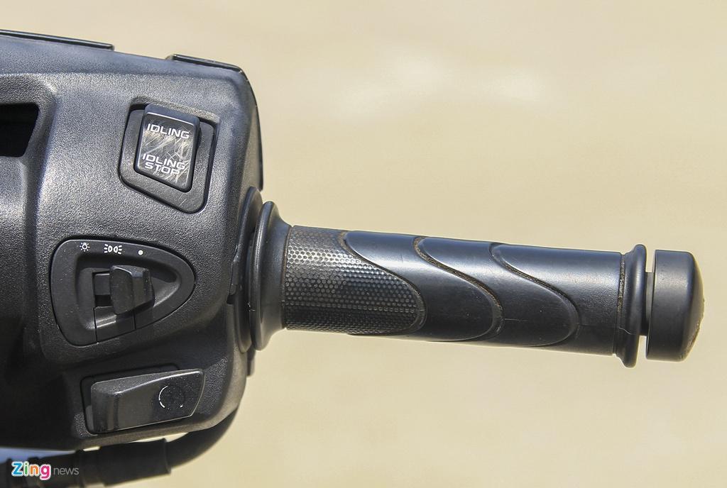 Honda SH 125i doi 2012 lap rap trong nuoc sau 7 nam con lai gi? hinh anh 6