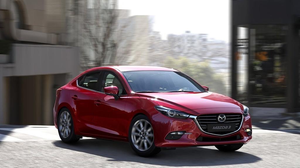 Mazda3 mới ra đã giảm giá, Toyota Corolla Altis rẻ hơn cả trăm triệu