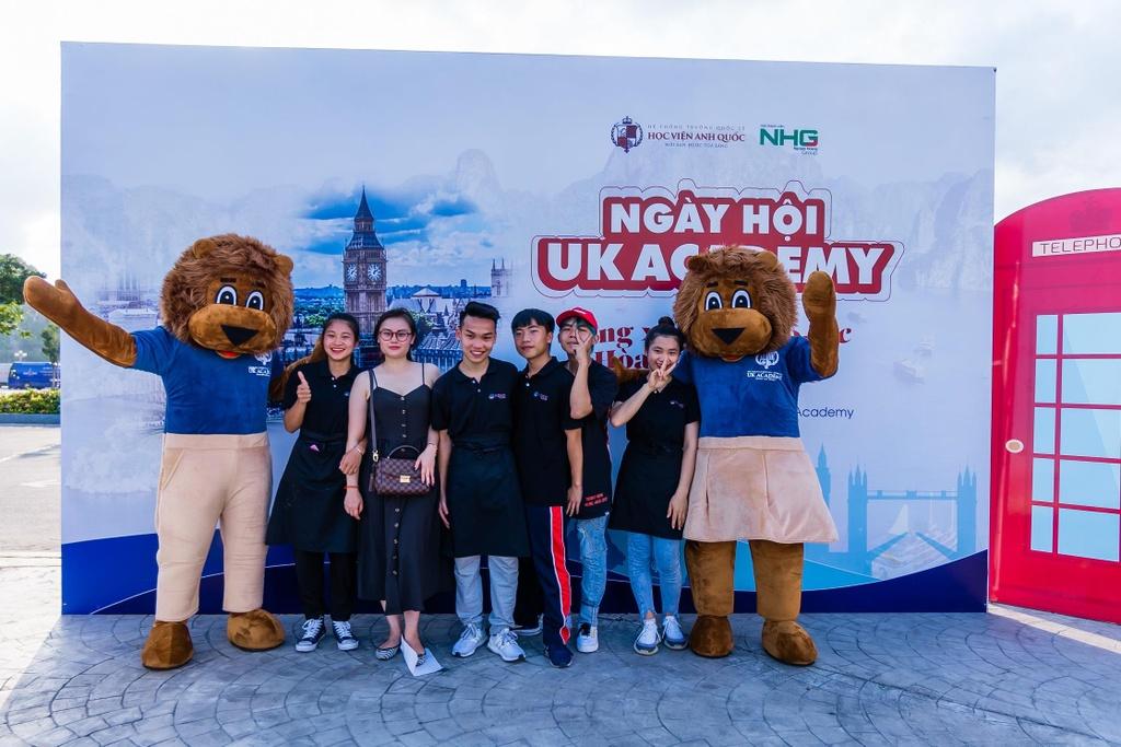 UK Academy anh 6