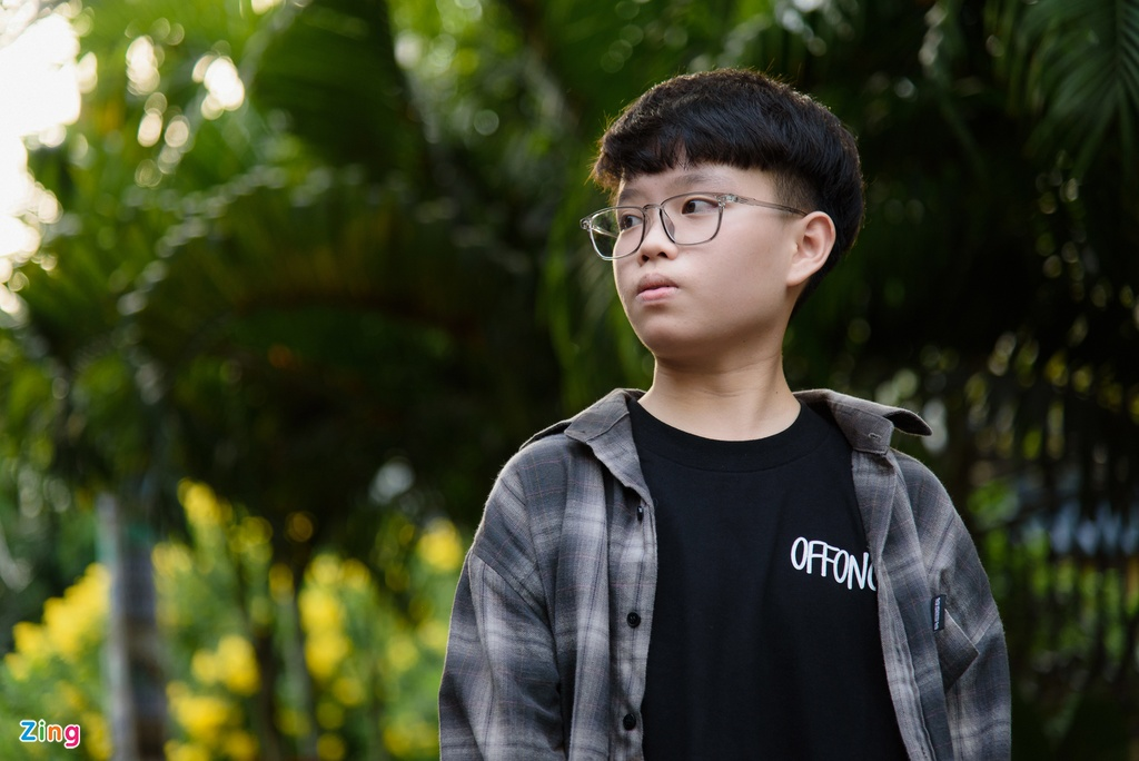 Chu nhan hit 'Cung anh': 'Nhieu nguoi soc vi ngoai hinh cua toi' hinh anh 1