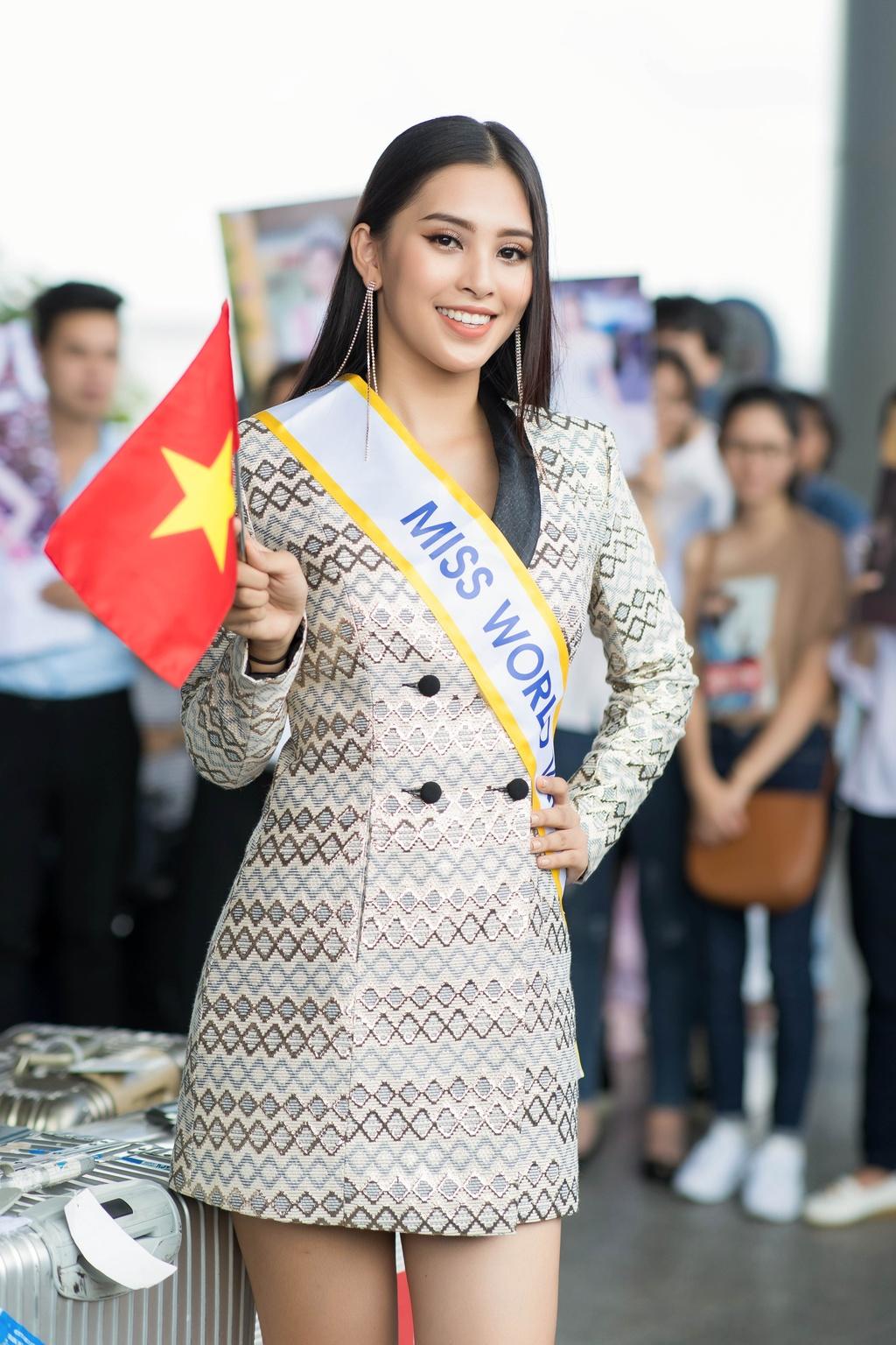 Tieu Vy tiep tuc mac loi trang phuc khi len duong thi Miss World 2018 hinh anh 5