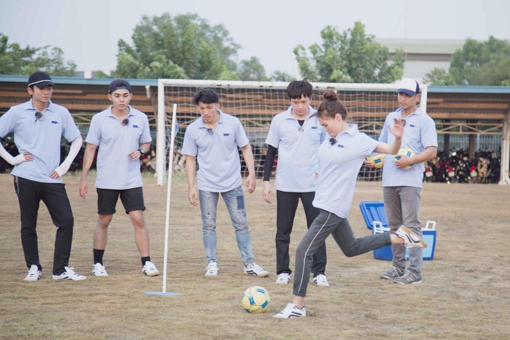 Running Man - Ninh Duong Lan Ngoc lat tay tro chia re cua Tran Thanh hinh anh 2