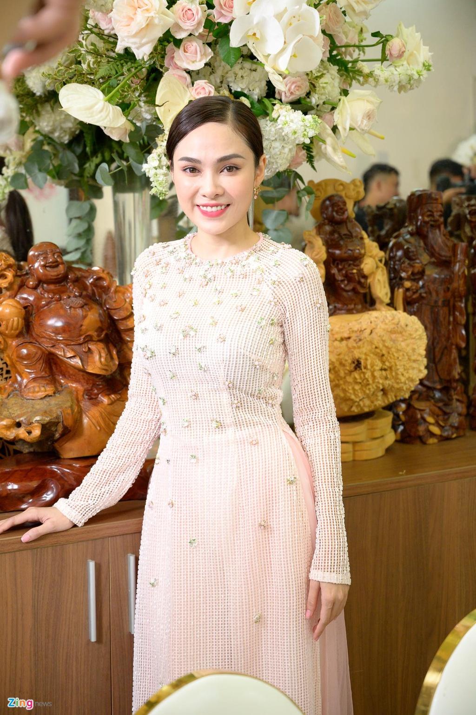 Sara Luu xinh dep, Duong Khac Linh hoi hop trong le ruoc dau hinh anh 6