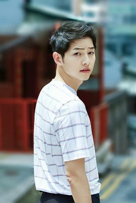 Song Joong Ki tu nguong mo den quyet liet ly hon Song Hye Kyo hinh anh 1