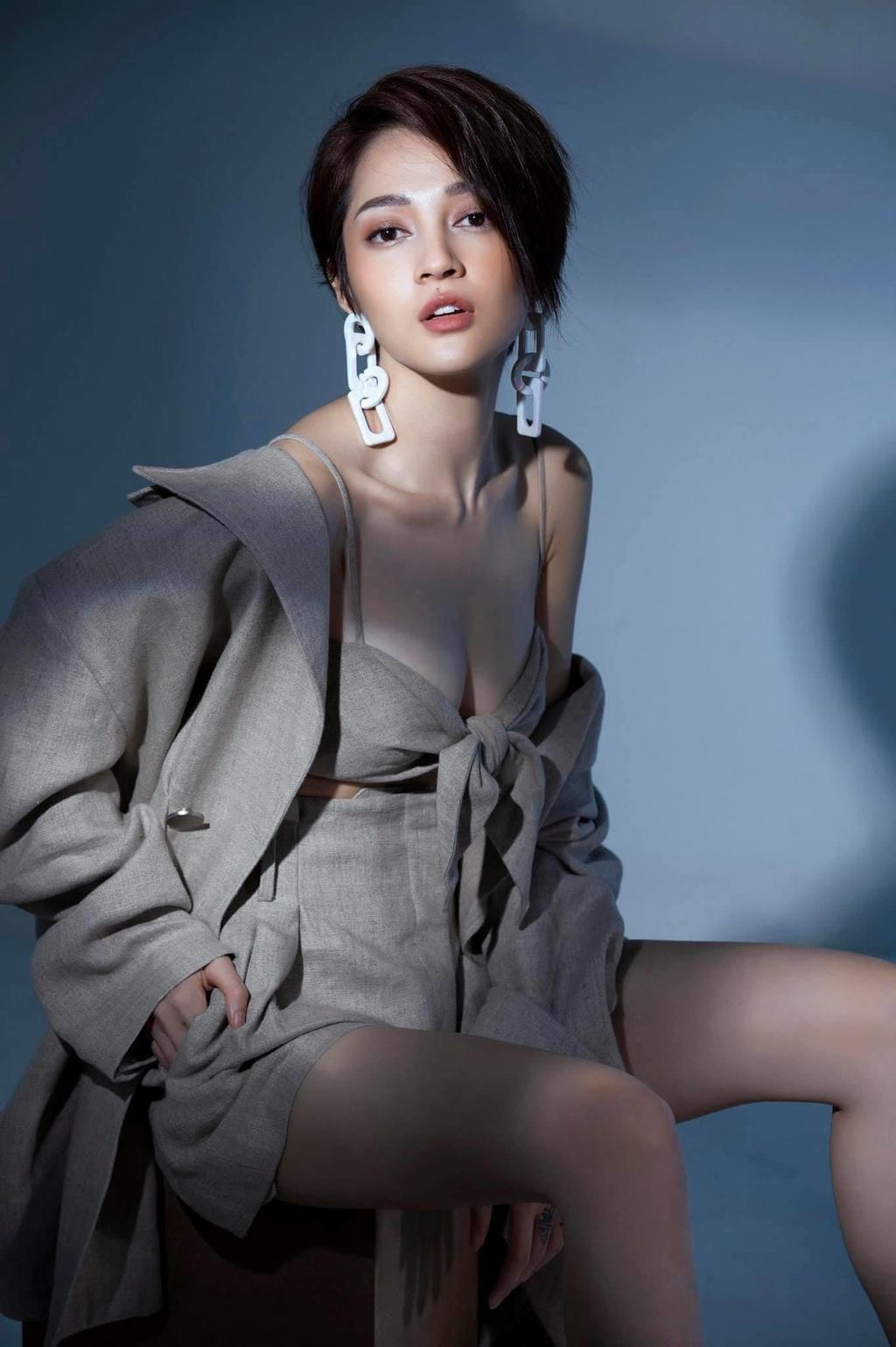 Bao Anh o tuoi 27 - ve ngoai pha cach, on ao chuyen yeu Ho Quang Hieu hinh anh 4