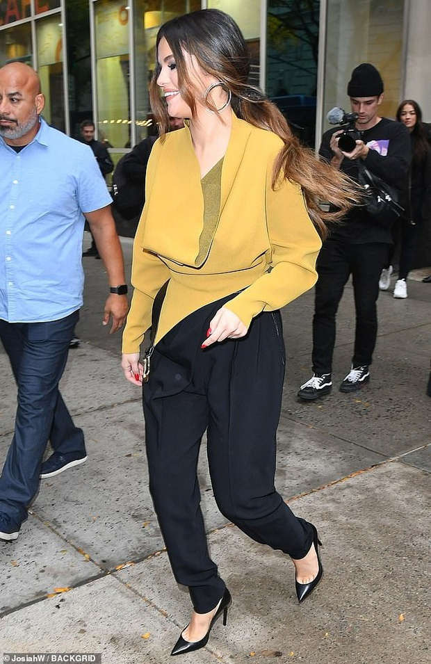 Selena Gomez lay lai nhan sac, voc dang sexy sau khi giam can hinh anh 15