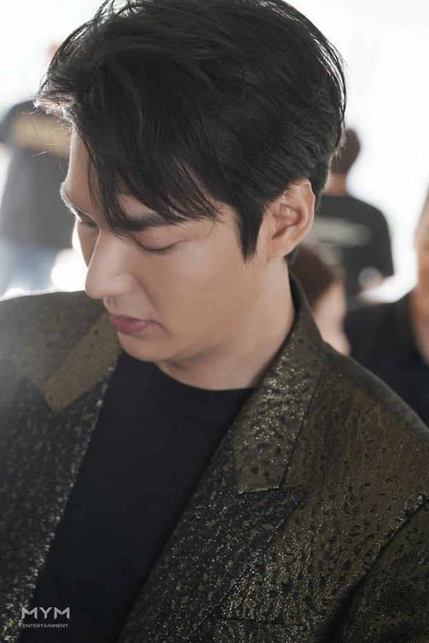 Ve ngoai khong qua chinh sua cua Lee Min Ho hinh anh 5