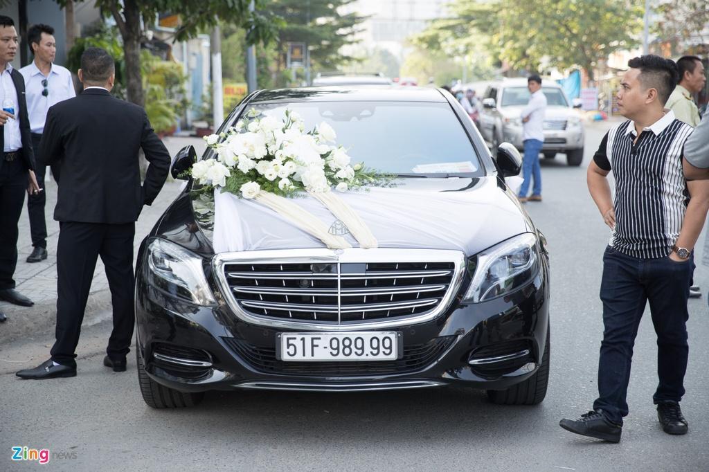 Dan xe Rolls-Royce, Maybach xuat hien trong le cuoi Bao Thy hinh anh 6