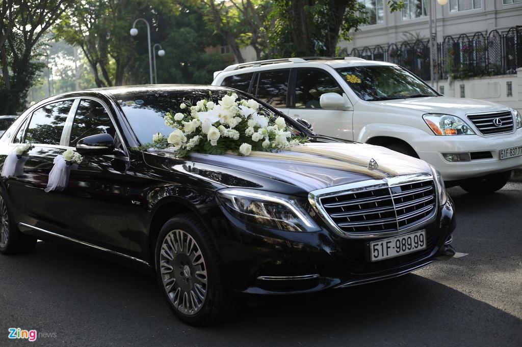 Dan xe Rolls-Royce, Maybach xuat hien trong le cuoi Bao Thy hinh anh 7