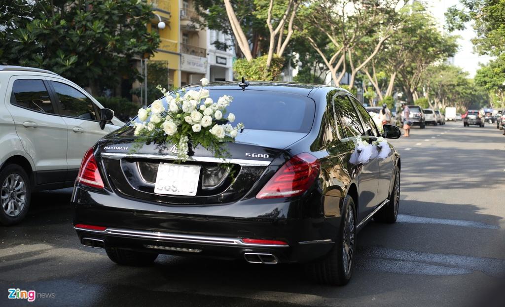 Dan xe Rolls-Royce, Maybach xuat hien trong le cuoi Bao Thy hinh anh 8