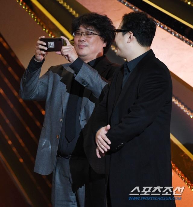 'Ky sinh trung' thang 5 giai lon tai 'Oscar Han Quoc' hinh anh 2