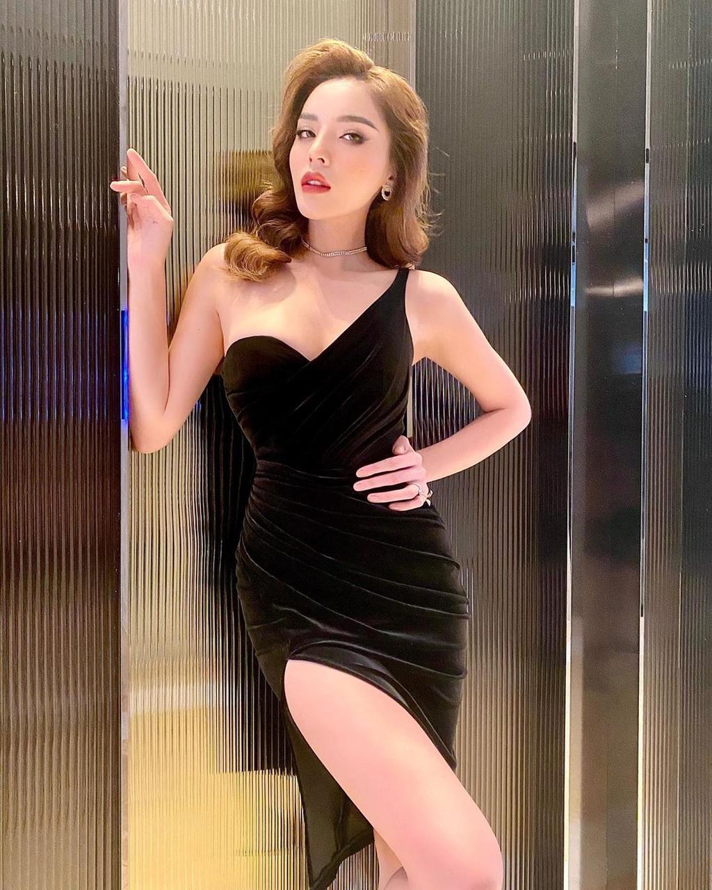 Ho Ngoc Ha mac bikini cap cao, sao nu Viet chuong ao tre hinh anh 2