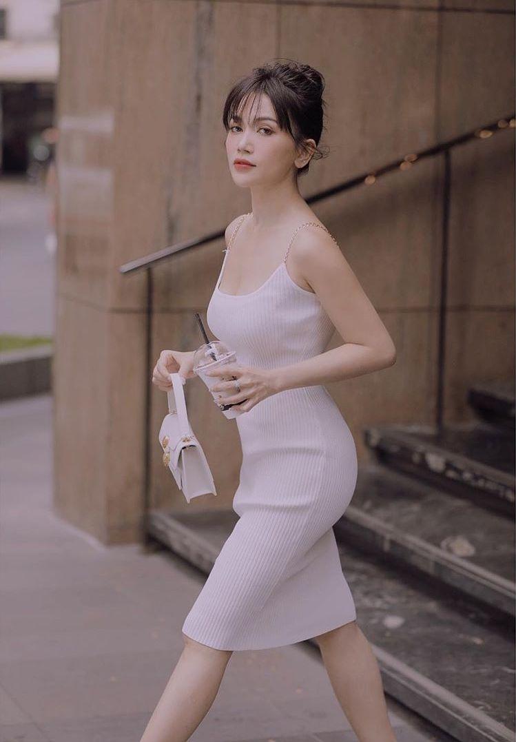 Ho Ngoc Ha mac bikini cap cao, sao nu Viet chuong ao tre hinh anh 15