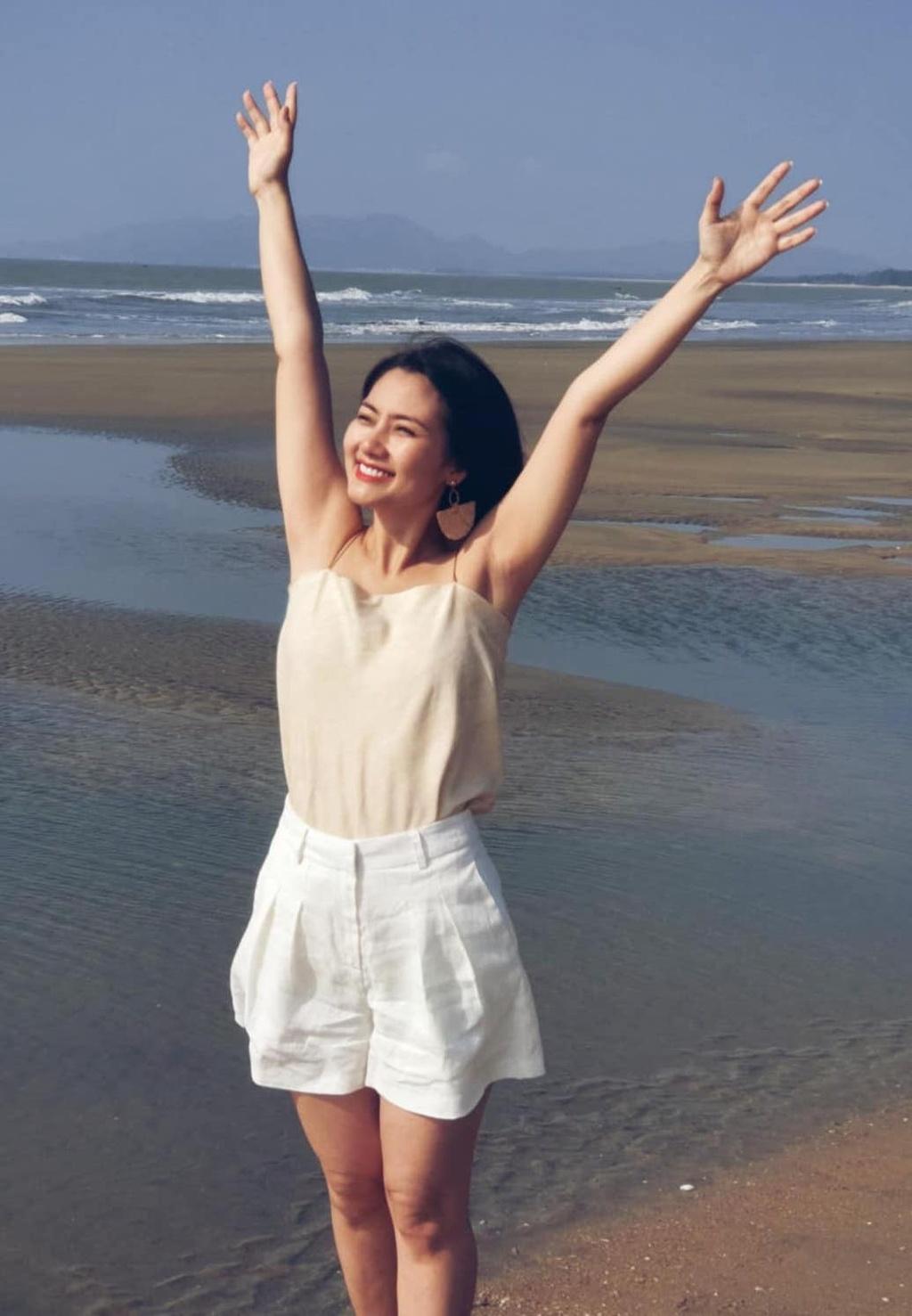 Ho Ngoc Ha mac bikini cap cao, sao nu Viet chuong ao tre hinh anh 13