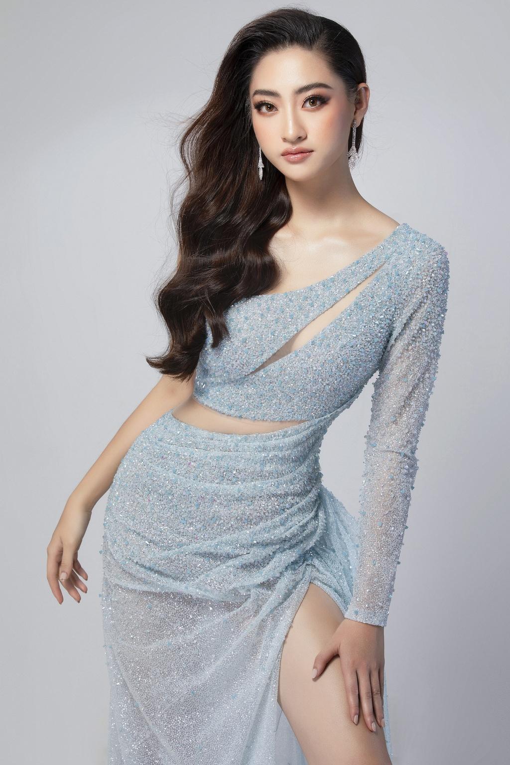 Luong Thuy Linh mac vay xe cao khoe chan 1,22 m o chung ket Miss World hinh anh 4 null