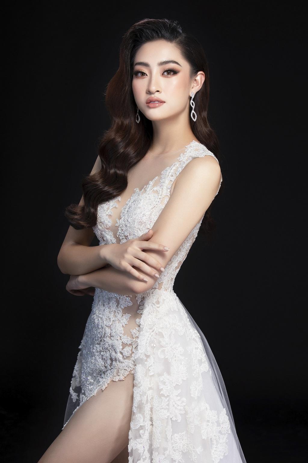 Luong Thuy Linh mac vay xe cao khoe chan 1,22 m o chung ket Miss World hinh anh 9