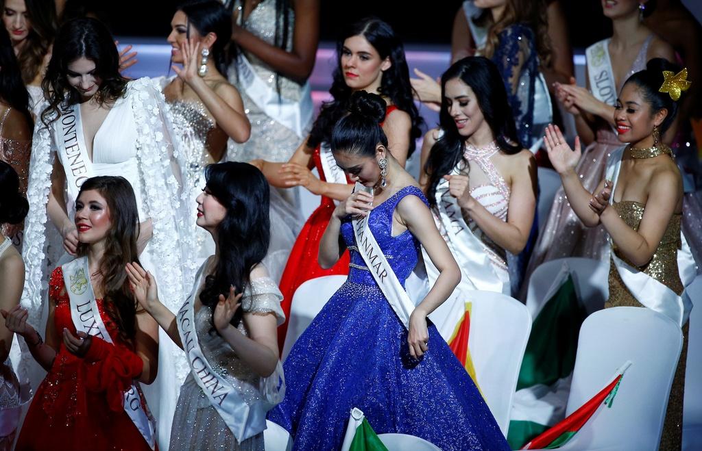 Nguoi dep Jamaica hoang mang khi dang quang Miss World 2019 hinh anh 15 2019-12-14T161530Z_142553048_RC24VD9VDWPZ_RTRMADP_3_BRITAIN-MISSWORLD.JPG