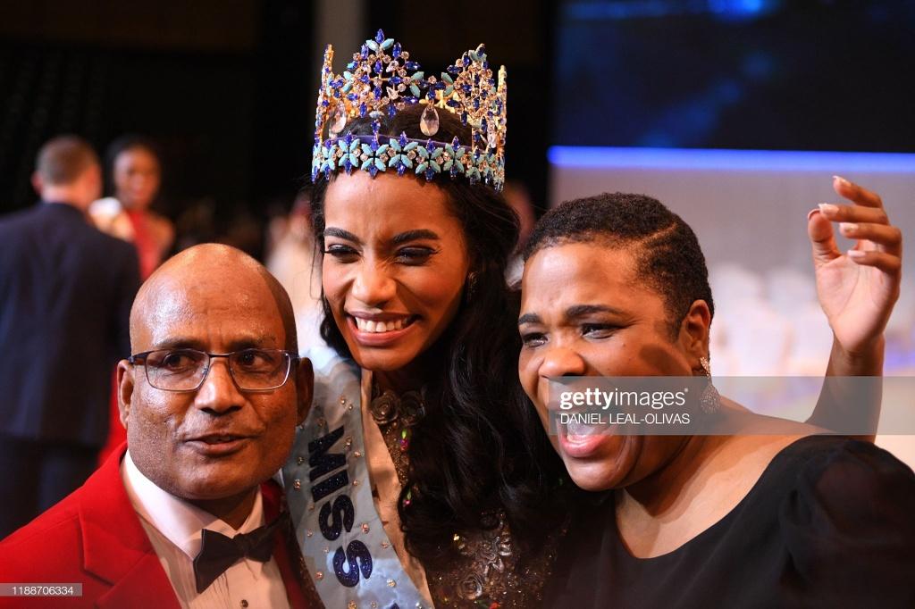 Nguoi dep Jamaica hoang mang khi dang quang Miss World 2019 hinh anh 7 null